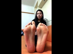 Stunning asian nubile sweetie taunts..