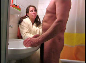 Nice maiden jacking aged man's dick,..