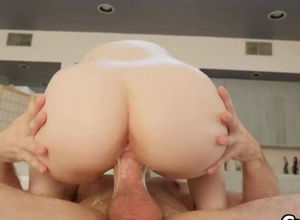 Young internal cumshot inwards her labia